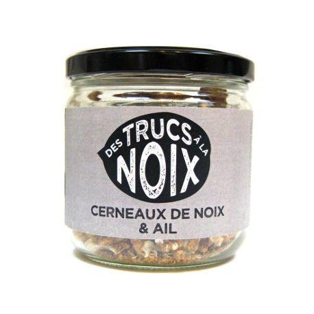 Cerneaux de noix et ail