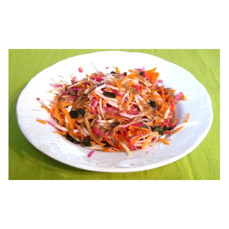 Salade bollywood, Radis asiatique rose, panais et carottes, et vinaigrette au miel