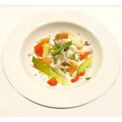 Truite marinée et légumes de printemps