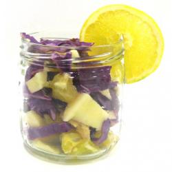Salade au chou rouge, oranges et fruits secs